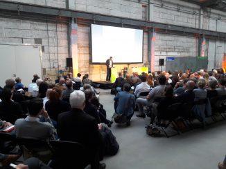 Professor Brearley präsentiert beim Stadtforum Wirtschaft 2018 in Berlin